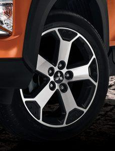 Xpander CROSS ล้ออัลลอยสปอร์ตทูโทน ขนาด 17 นิ้ว